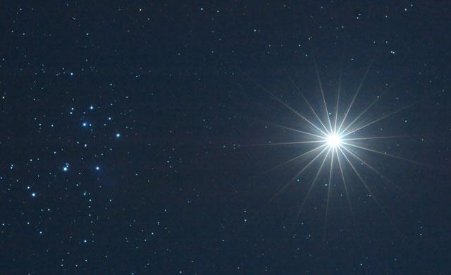 Watch out Seven Sisters, Venus is coming! - Congiunzione tra Venere e le Pleiadi il 3 aprile 2012