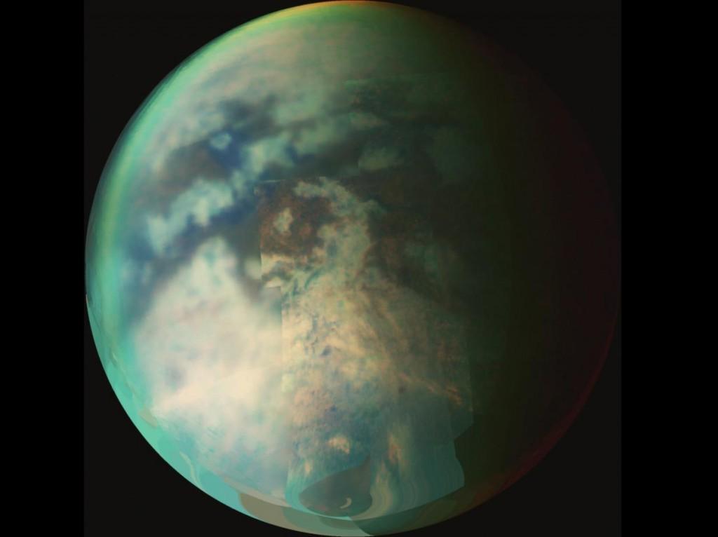 Saturn's Titan Harbors an Ocean of Water - Increases Odds for Life - C'è un oceano nascosto sotto la superficie di Titano
