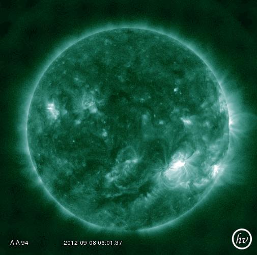 Entangled Eruption: sunspot AR1564 erupted on Saturday, Sept. 8th, producing an M1-class solar flare. Reazione a catena sul sole: la regione AR1564 ha prodotto un solar flare di classe M1