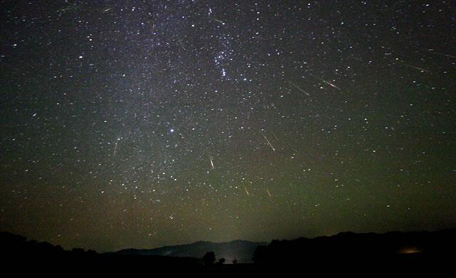 21 Ottobre: il giorno delle stelle cadenti. In arrivo le Orionidi. Oct. 21st: The day of shooting stars. The Orionid Meteor Shower.