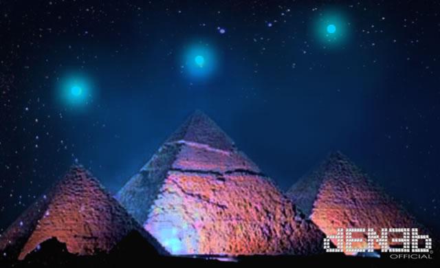 3/12/2012: Venere, Saturno e Mercurio sulle piramidi di Giza? - Three planets above Egyptian pyramids on December 3, 2012?