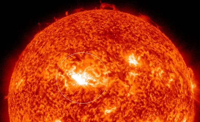 Attività Solare: Brillamento di Classe M6.5 - Space Weather: M6 Class Solar Flare