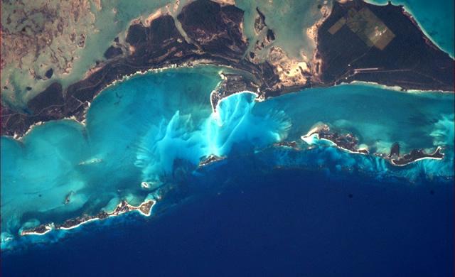 Pianeta Terra: Difficile credere ai colori delle Bahamas viste dallo Spazio - Planet Earth: It's hard to believe the colours of the Bahamas from Space