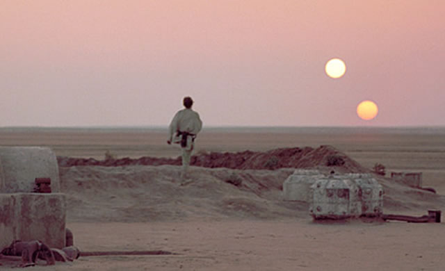 Pianeti orbitanti Stelle Binarie come Tatooine di Guerre Stellari potrebbero ospitare la Vita - Tatooine-Like Alien Planets Could Host Life