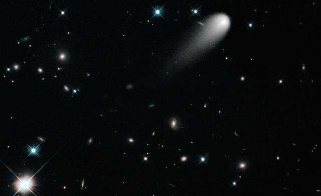 Telescopio Spaziale Spitzer e NASA: ISON è una Cometa Frizzante! - NASA'S Spitzer Observes Gas Emission From Comet Ison