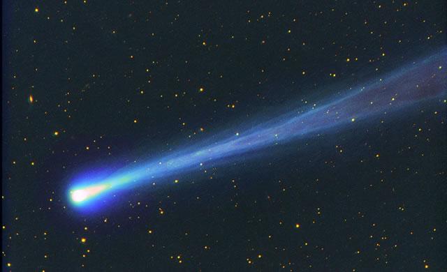 #ISON: Mancano poche ore all'incontro con il Sole - Comet C/2012 S1 ISON Approaches Perihelion