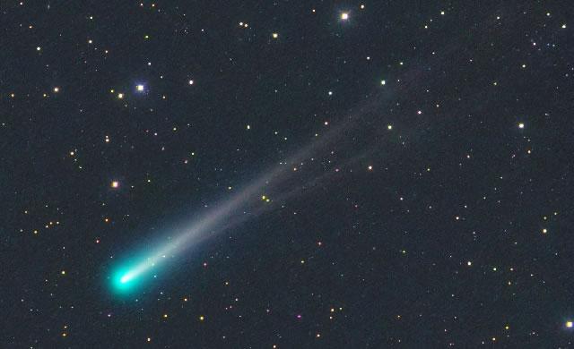 La Cometa ISON sfoggia una Doppia Coda - Comet ISON Sprouts a Double Tail