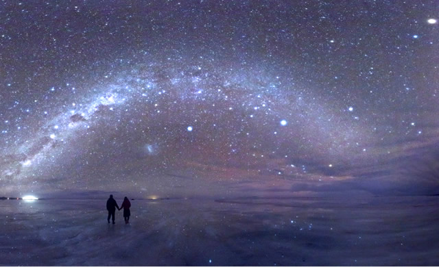 La bellezza del Pianeta Terra: Stelle Ovunque a Salar de Uyuni – The beauty of Planet Earth: Salar de Uyuni by Night