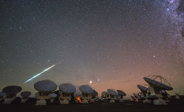 ESO - ALMA Telescope Array Time-Lapse