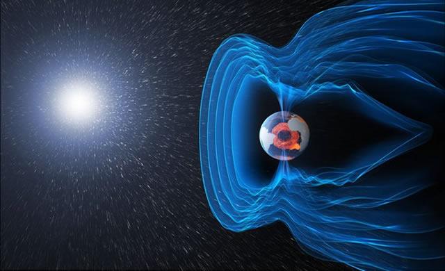 ESA: Swarm Rivela l'Indebolimento del Magnetismo Terrestre - Swarm reveals Earth's Changing Magnetism